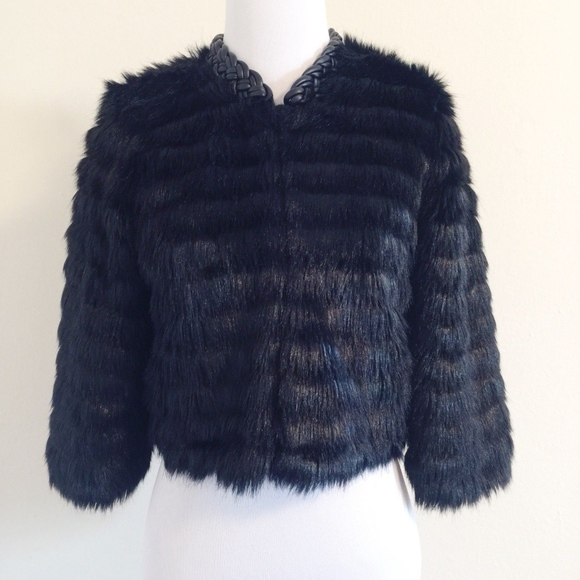 Twelfth Street by Cynthia Vincent Jackets & Blazers - Twelfth Street Cynthia Vincent Faux Fur Crop 3/4